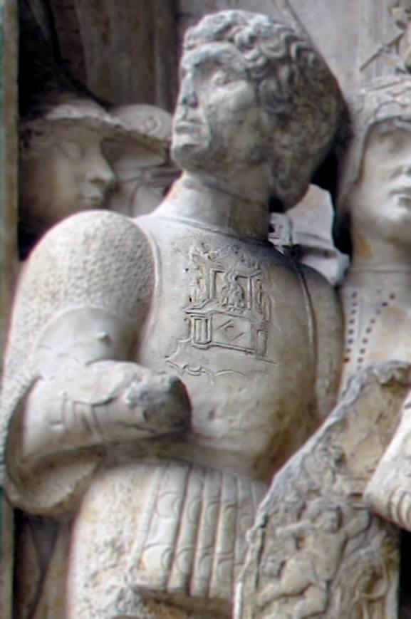 cavaliere con trono infuocato