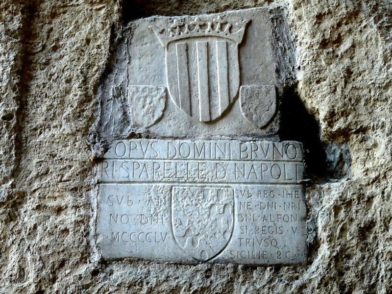 Lapide Crypta Neapolitana